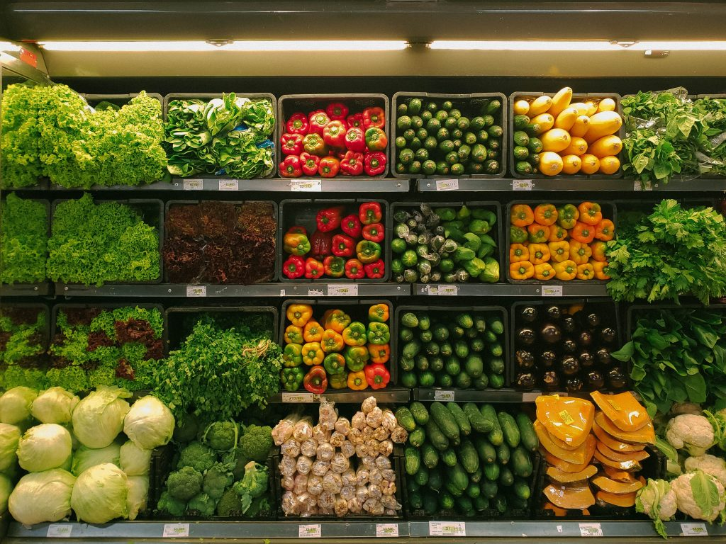 How to sell your container farm business produce to grocers
